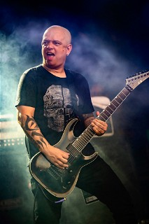 Alan from Eminence at Rock In Rio with his E-II Horizon