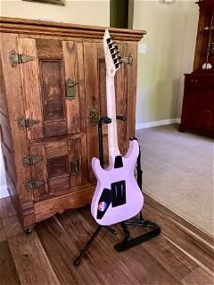 LTD Mirage Deluxe '87 Pearl Pink (2020), flank