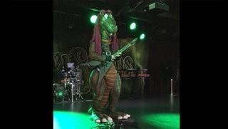 Riffi Raffi (Hevisaurus) Warms Up
