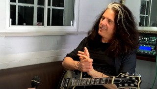 """Guitar Training with Jamie Hunt & Pat Heath: """"Out"""" Notes with Alex Skolnick"""