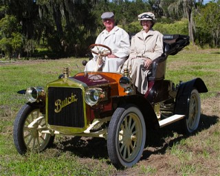 1903 CHAIN DRIVE Oldsmobile competes in road rally